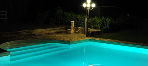 Farmhouse in Tuscany with swimming pool, near Arezzo at Anghiari: relax with panoramic views over the Tuscan countryside