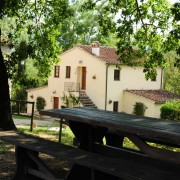 agriturismo-con-area-pic-nic-in-toscana