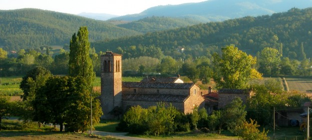 Valtiberina Toscana: tiber valley near Arezzo, undiscovered part of Tuscany on the border between Umbria and Marche